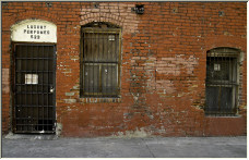 Down and old stinky alley - Copyright © 2007 by Ricks
