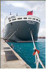 QM2 Stern - Copyright © 2007 by iajohnston