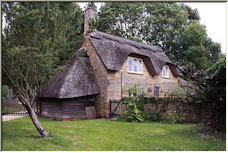 Old Thatched Cottage - Copyright © 2008 by diamondgeezer