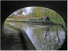 canal bridge - Copyright © 2006 by graham farrell