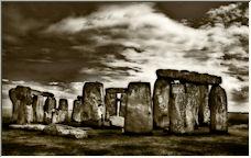 stone hedge - Copyright © 2008 by simon gimson